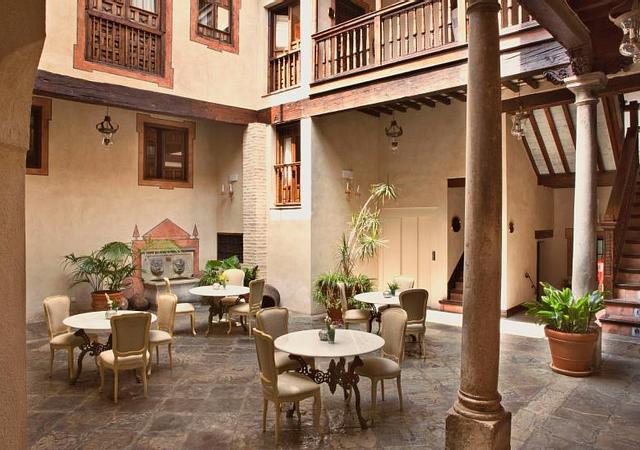 Hotel Casa 1800 Granada | Granada | ¡Mínimo 3 noches y consigue un 12%!