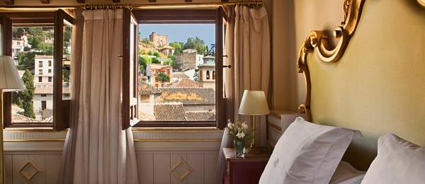 Deluxe Room with Alhambra views