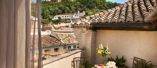 Deluxe Room with Terrace and Alhambra views