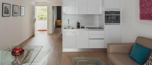 One Bedroom Apartment with Kitchen