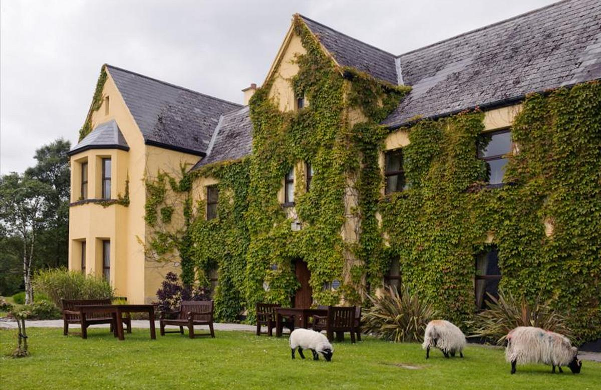 Lough Inagh Lodge Hotel | Connemara | 2-Night Special Full Irish Breakfast and Dinner on one Evening