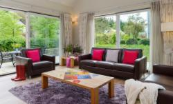 Number 3 Mountain View 4-Bedroom Detached House (Min 4 Nights)