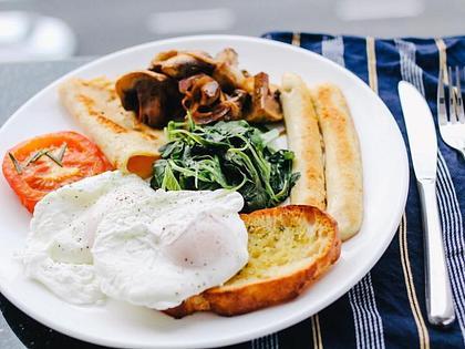 Queens Hotel Ennis | Ennis | Bed & Breakfast Rates