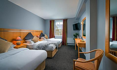Queens Hotel Ennis | Ennis | Triple Rooms