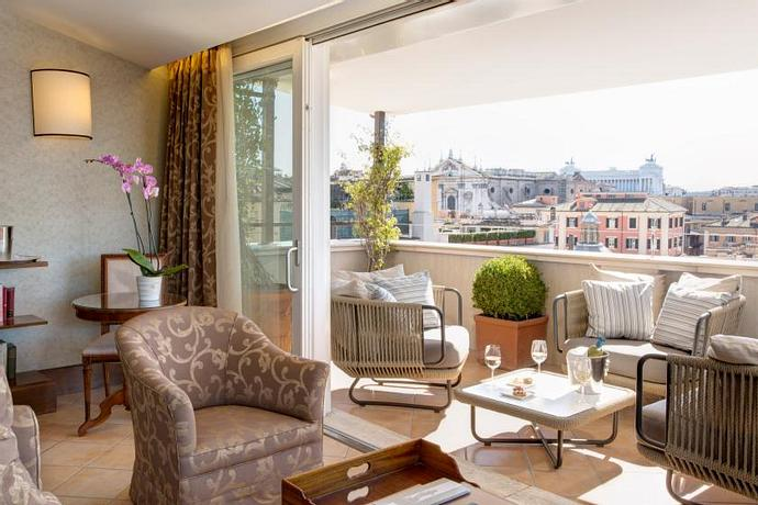 Hotel Nazionale | Rome | Elegant and Luxurious Suites and Executive Rooms in the center of Rome