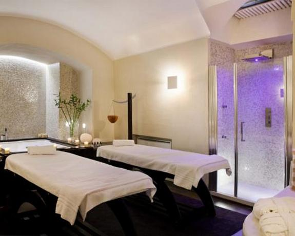 Navona Palace Luxury Inn | Rome | Book our Superior Suite for a free massage