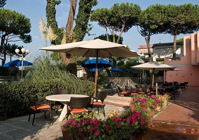 Versilia Palace Hotel | Marina di Pietrasanta | Partially Refundable Offer