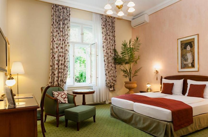 Superior Zimmer Gartenblick & Balkon