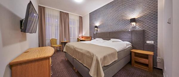 SUPERIOR Double or Twin Room for 1 or 2 person
