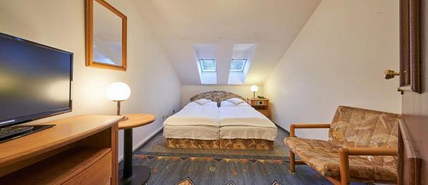 STANDARD  Double or Twin Room for 1 or 2 person